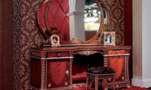 Как декорировать стол методом декупажа своими руками?