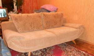 Рекомендации профессионалов по перетяжке дивана своими руками
