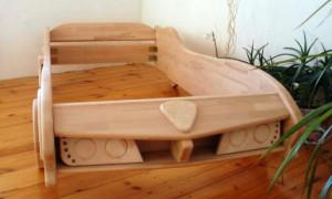Как сделать кровать-машину самостоятельно?
