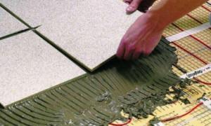 Как своими руками уложить на пол плитку?