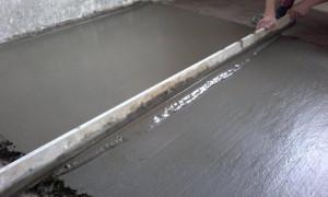 Как заливать пол бетоном своими руками?