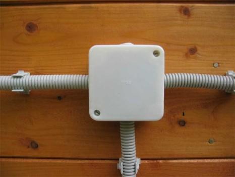 Как провести электричество в частном доме своими руками