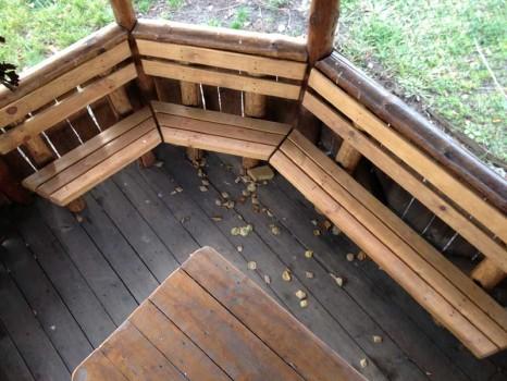 Как сделать скамейки на веранде 732