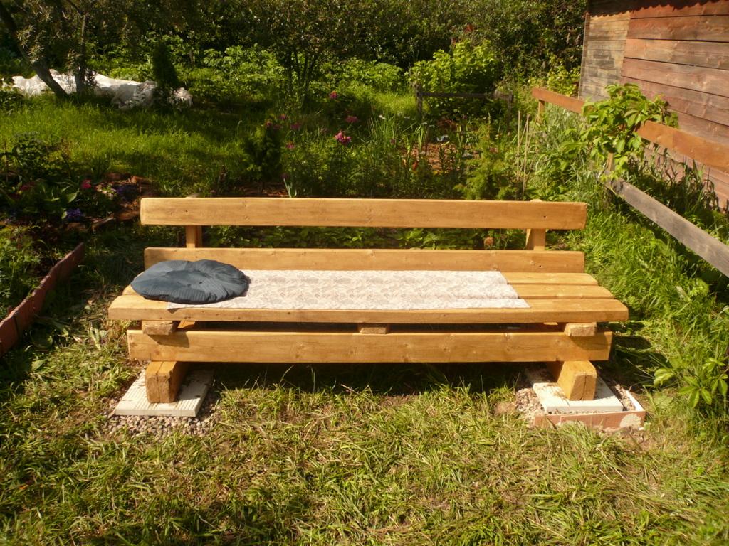 Делаем садовую скамейку