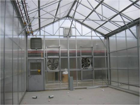 теплица с вентиляторным проветриванием