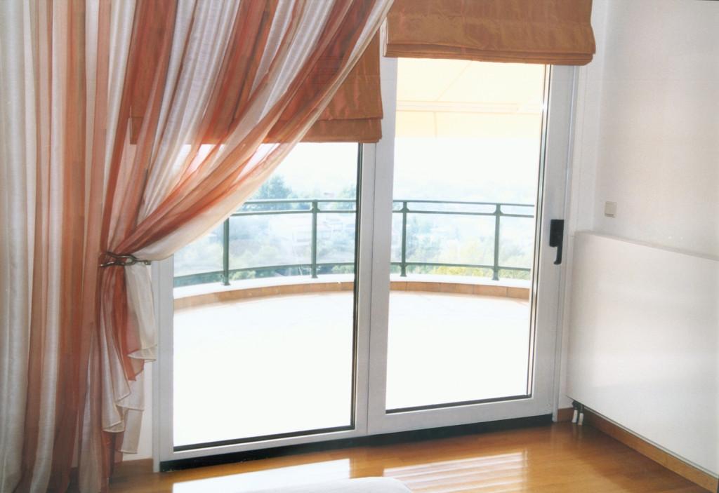 Шторы на балконные окна фото.
