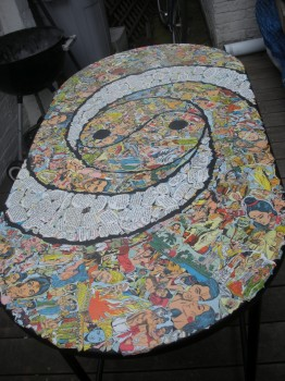 стол после декупажа рисунками