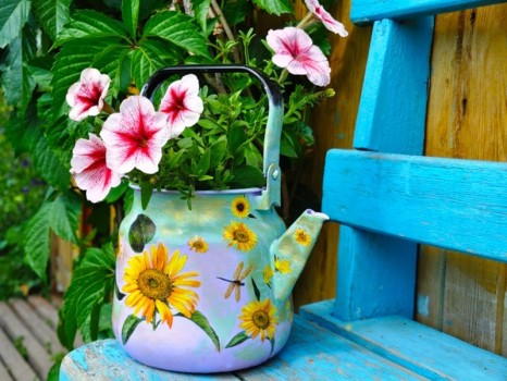 Чайник с цветами