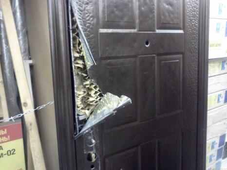 Неразборная входная дверь