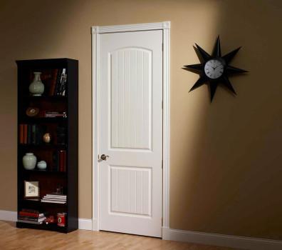 белая дверь