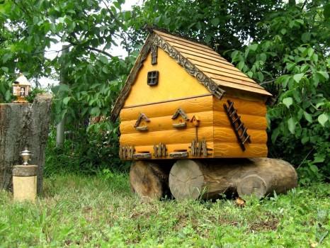 деревянная мини избушка