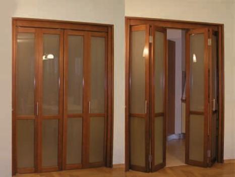 складная деревянная дверь