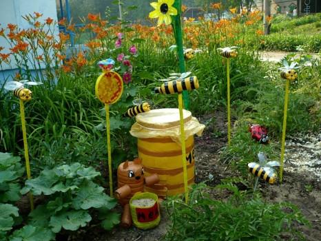 мёд и пчелы из пластика