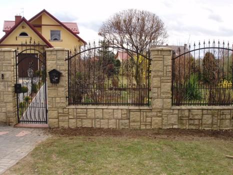 Надежный кованый забор