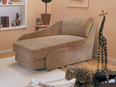 Кресло-кровать в детской