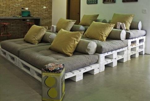 Многоэтажная кровать из паллетов