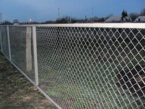 Забор из рабицы секционный