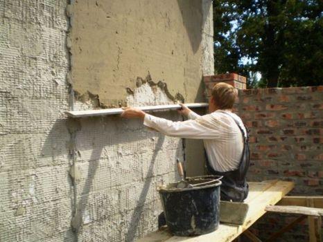 Отделка стен песчано-цементной штукатуркой