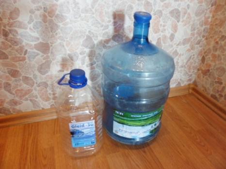 Большие бутылки от воды