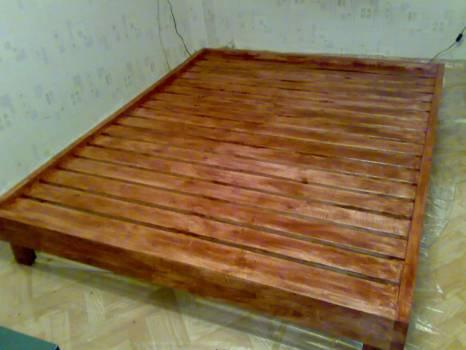 Простая кровать, сделанная своими руками