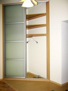 Диагональный угловой шкаф