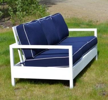 Удобный садовый диван