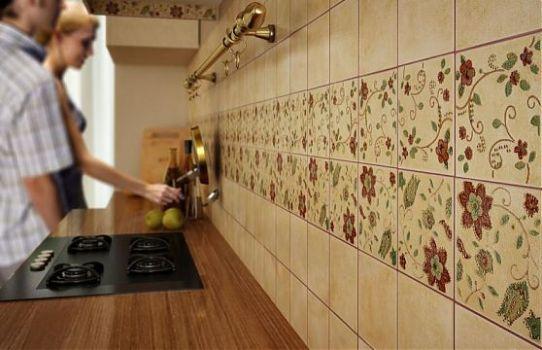 Как можно уложить плитку на фартук на кухне?