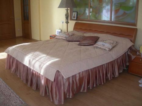 Покрывало и подушки для кровати