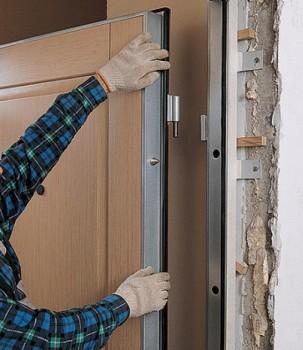 Навешивание входной двери