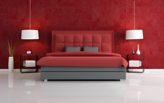 Красные цвета в комнате