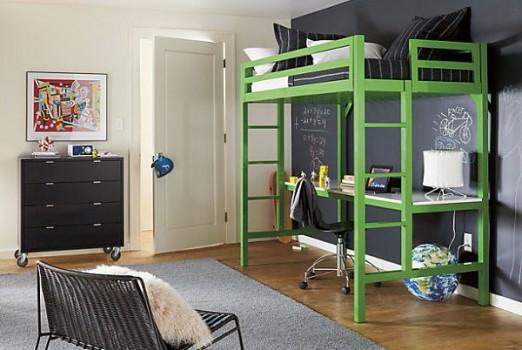 Кровать-чердак на четырех опорах