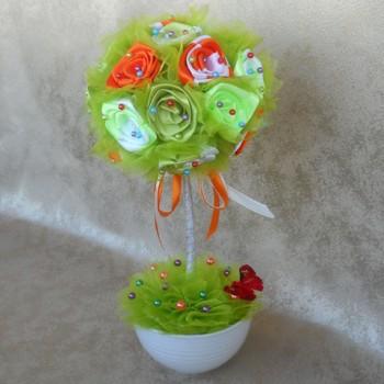 Топиарий из ленточных роз