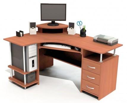 Обустроенный стол
