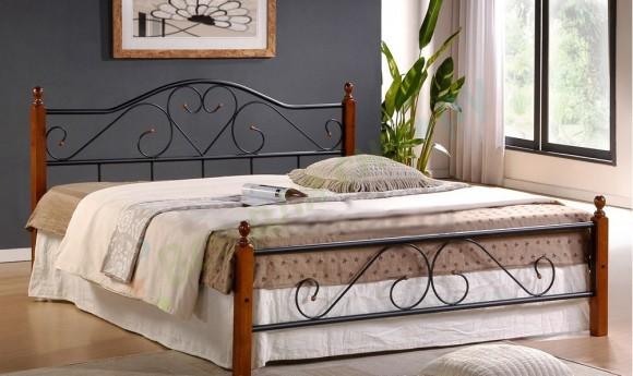 Двуспальная кровать из металла и дерева