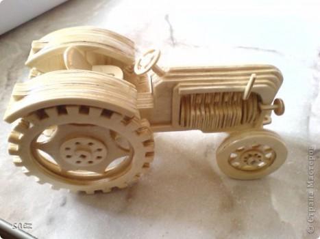 Трактор из дерева своими руками