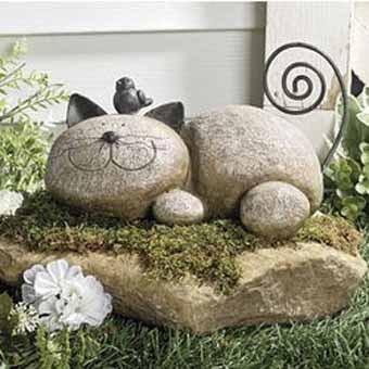 Украшение из камней