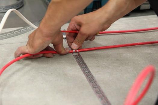 Фиксация греющего кабеля