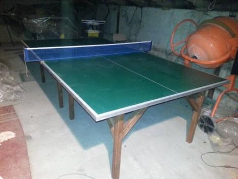 Самодельный стол в гараже
