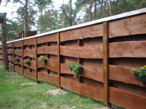 Оригинальный деревянны забор