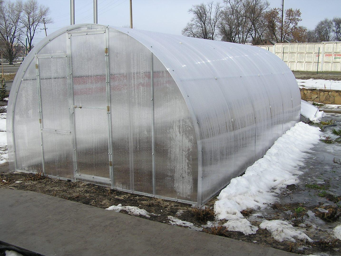 Зимние теплицы поликарбоната своими руками
