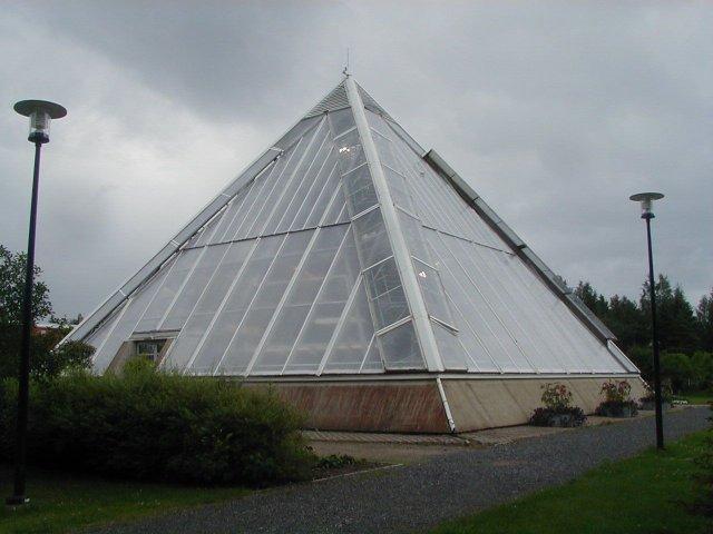Теплица в форме пирамиды своими руками 36
