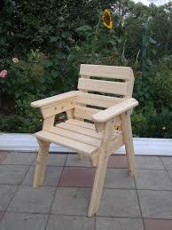 Простое кресло